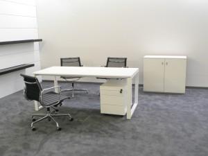 mesas de oficina pensadas para la direccin intermedia que combinan simplicidad en el diseo y mobiliario de oficina de transicin hacia la